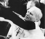 Jean-Paul-II-attentat-13-mai-1981.jpg